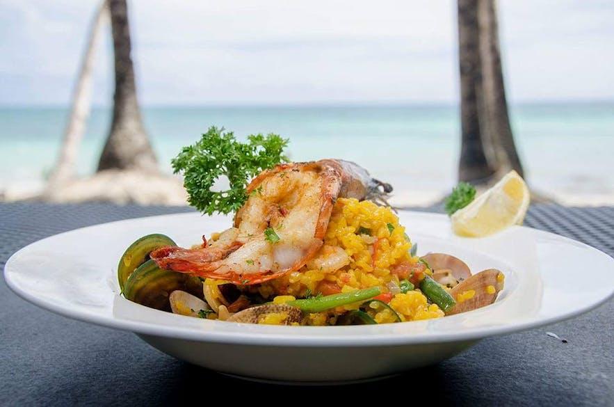 Mama's Fish House's seafood paella