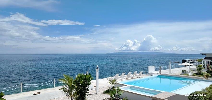 Seascape Beach Resort's poolside