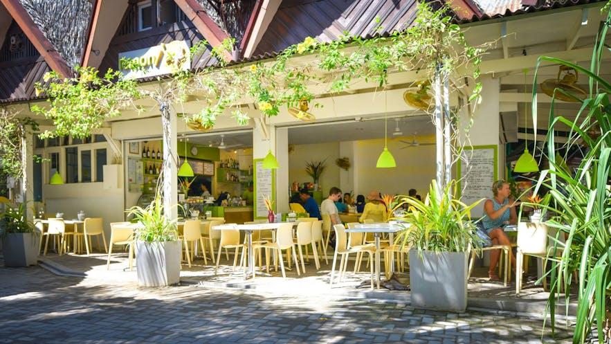 Exterior of Lemoni Cafe