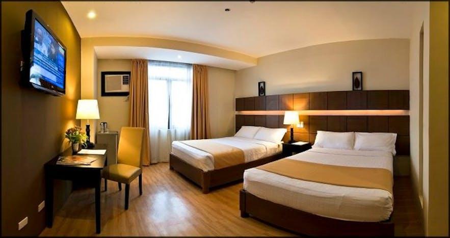 The Pinnacle Hotel & Suites' superior room
