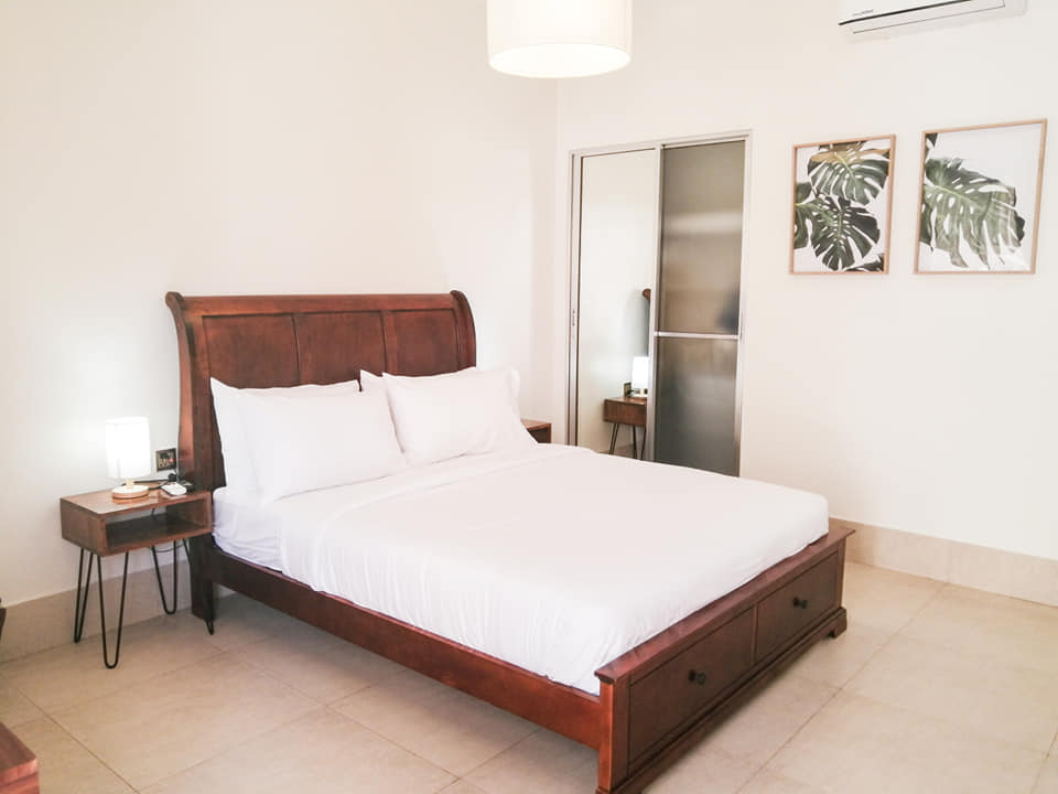Deluxe Suite at Harman Suites Moalboal