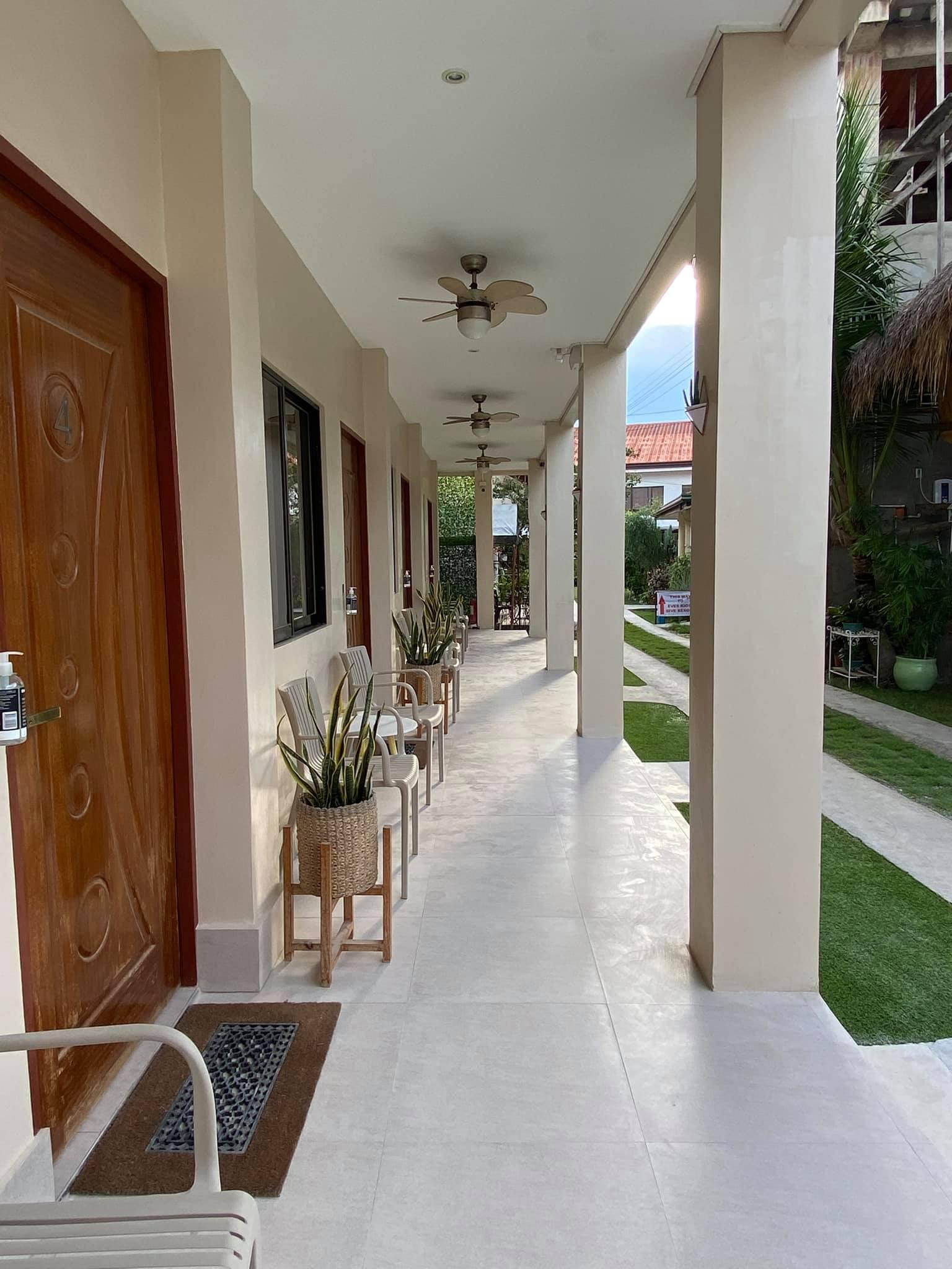 Outdoor hallway of Harman Suites Moalboal