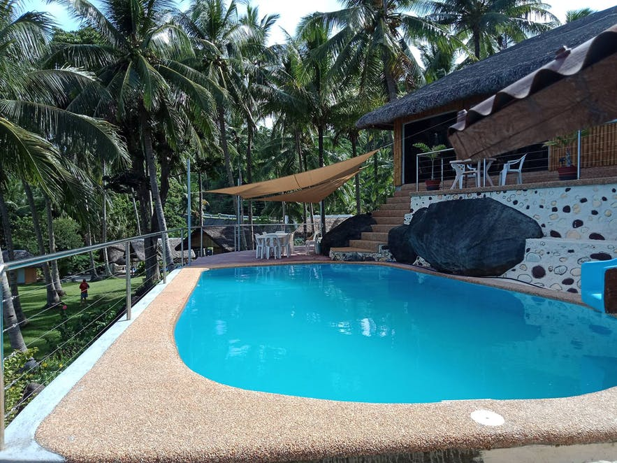 Ozi Camp Resort's poolside