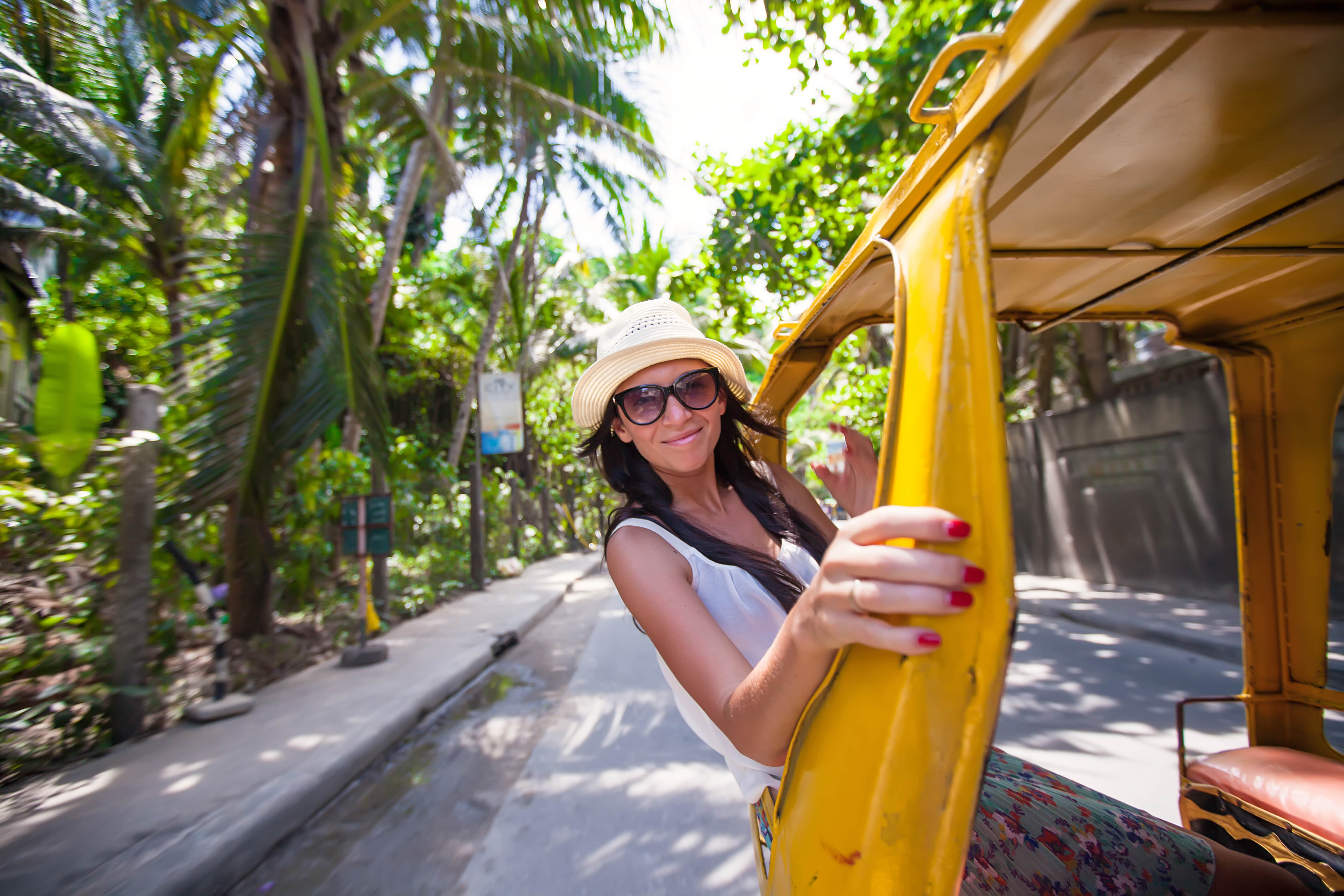 Electronic tricycle for your quick Boracay tour