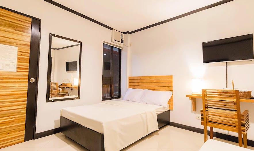 Mahogany Tourist Inn's family room