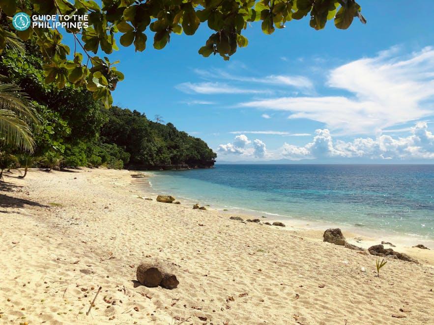 Samalan Camp and Sea Resort's beachfront