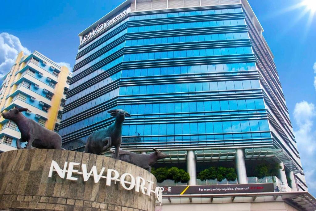 Facade of Savoy Hotel Manila