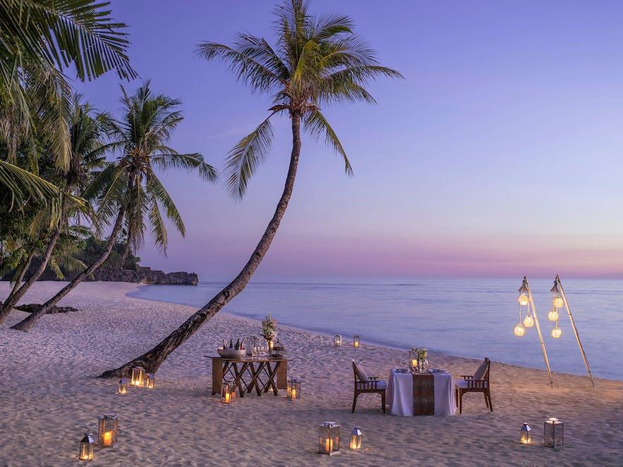 Beachside dinner in Shangri-La's Boracay Resort & Spa