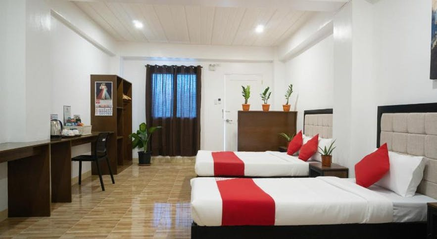 A suite in OYO 150 Davao Airport View Hotel