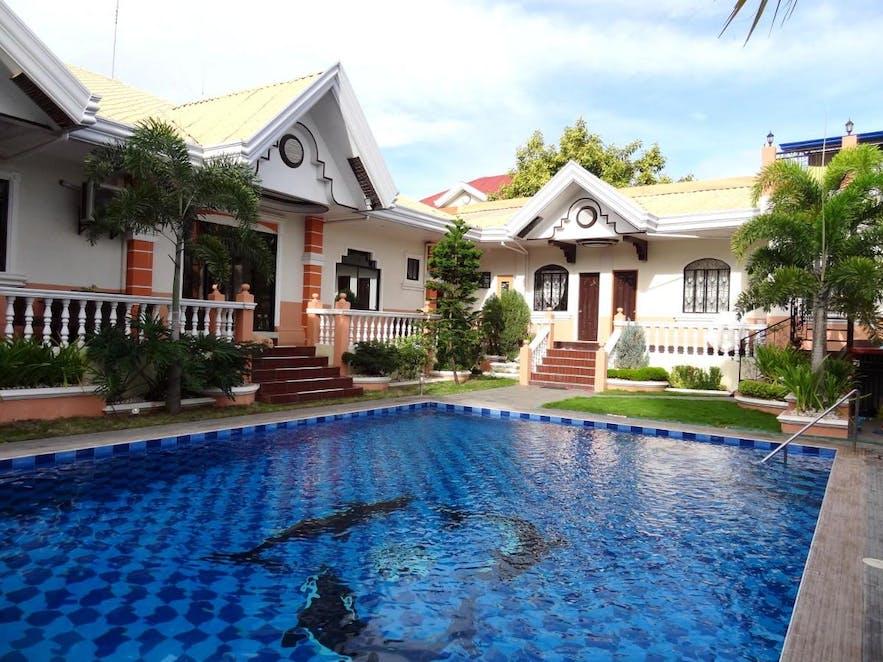 The Executive Villa Inn & Suites' outdoor pool