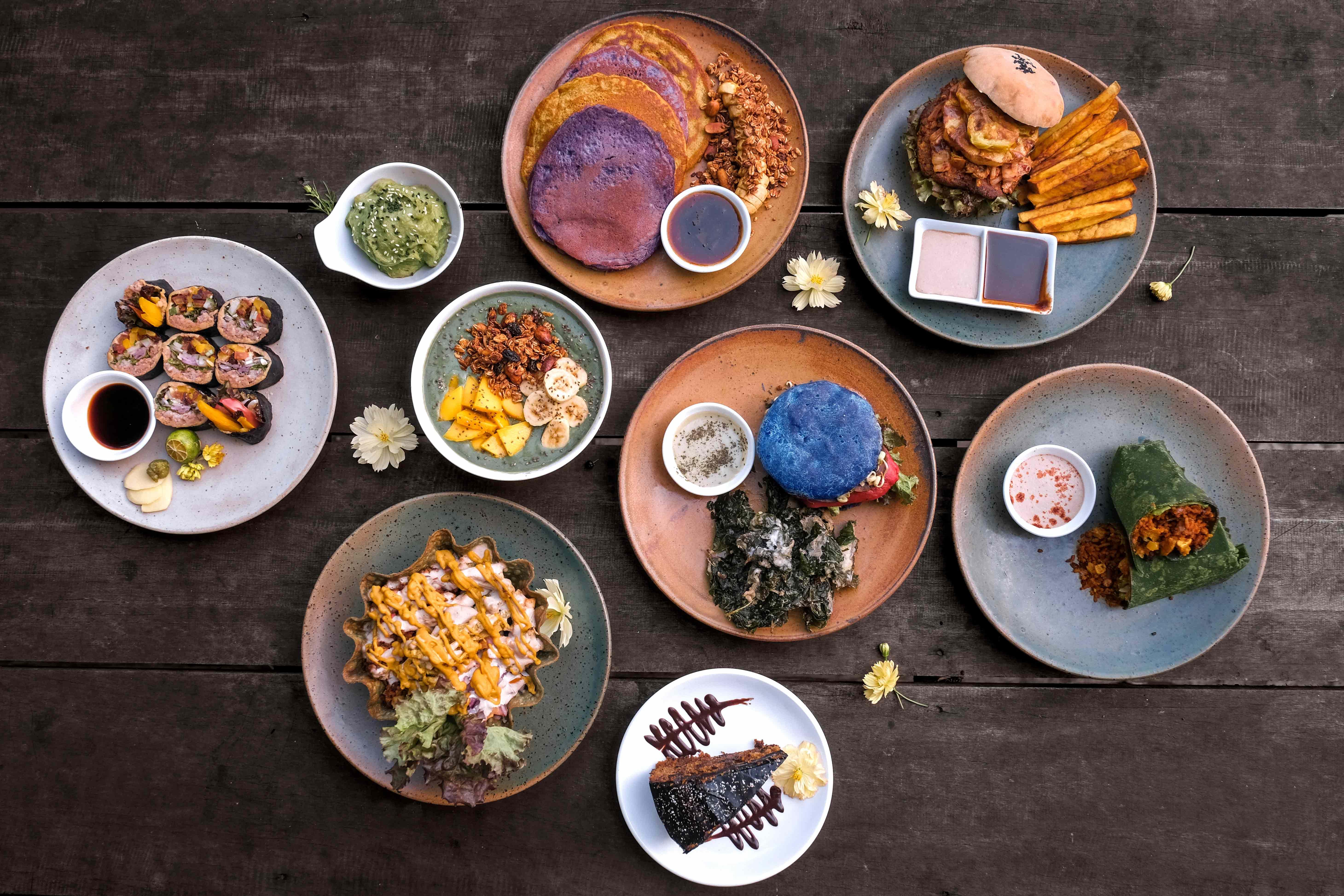 Dining at Kali Ma Cafe at Lotus Shores Siargao