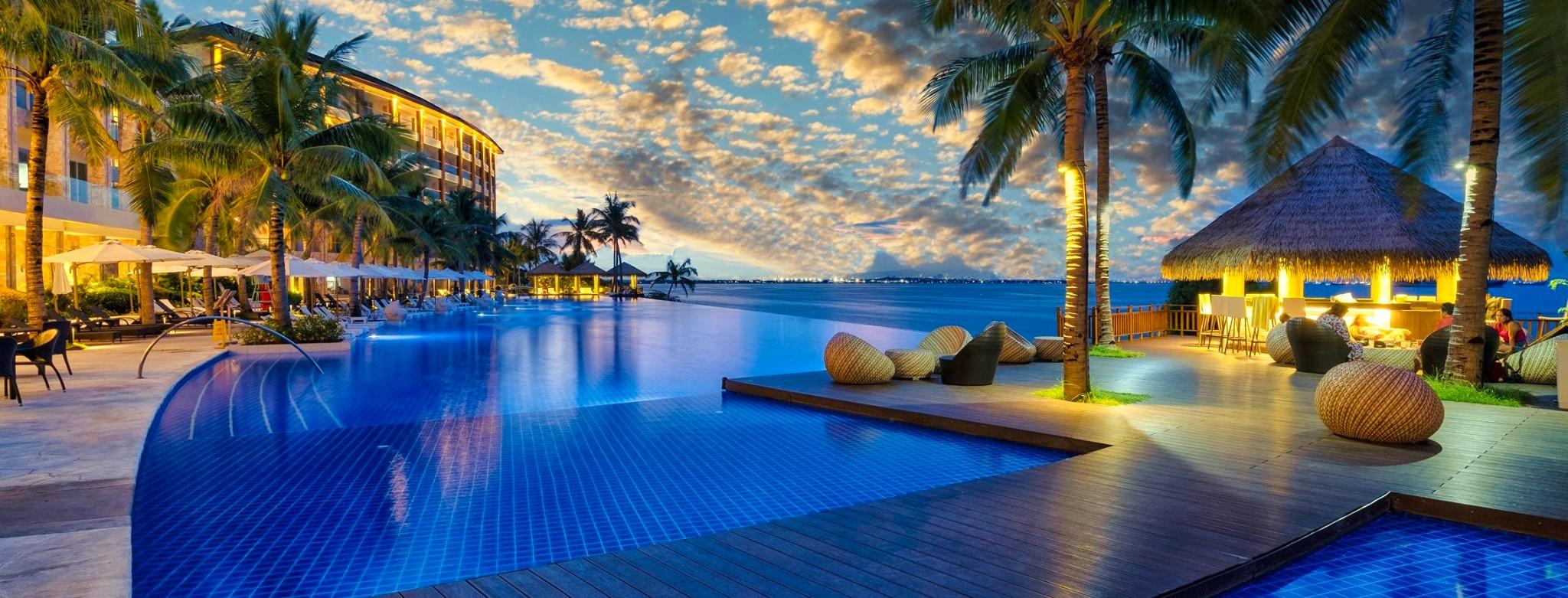 Pool View of Dusit Thani Resort Mactan