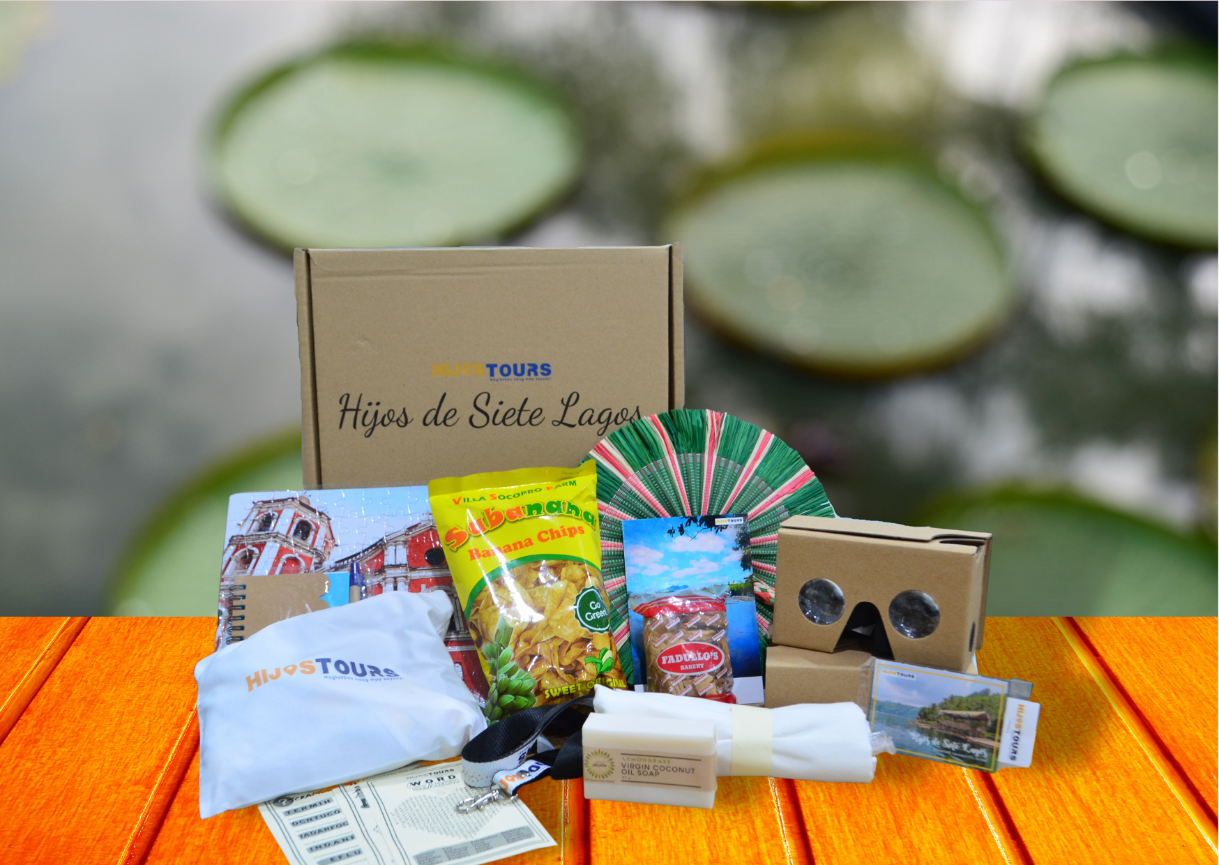 Travel box from San Pablo Laguna with snacks and souvenirs